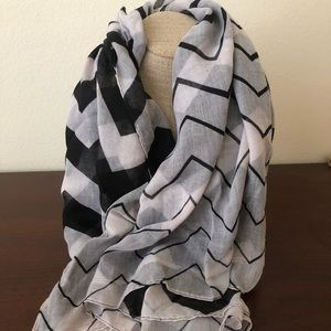 Gradient Chevron Scarf